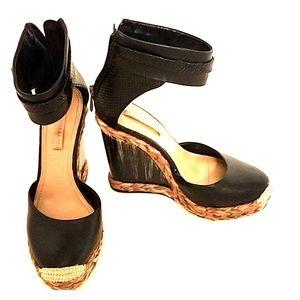 BCBG MaxAzria Black Leather Wedges 37